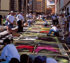 Ковры из цветов на пасхальной неделе (Тенерифе)
